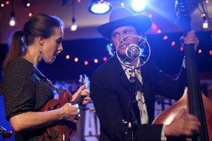AmericanaFestMusic - High Plains Jamboree returns with Jenee Fleenor on fiddle